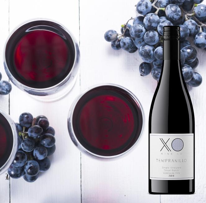 Tempranillo wine and grapes